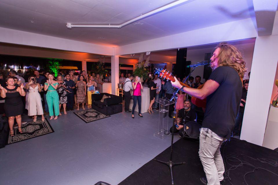 Evento de 15 Anos: SBJ Construtora & Incorporadora comemora com show de Vitor Kley e inaugura nova sede administrativa