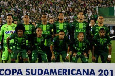 Avião com jogadores da Chapecoense sofre acidente na Colômbia
